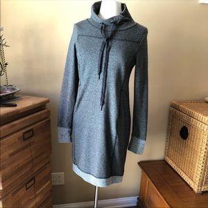 🌸$5/25 Sweater dress - size M